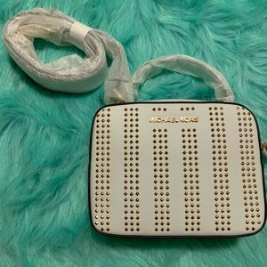 Michael Kors Karla Camera Cross-Body purse